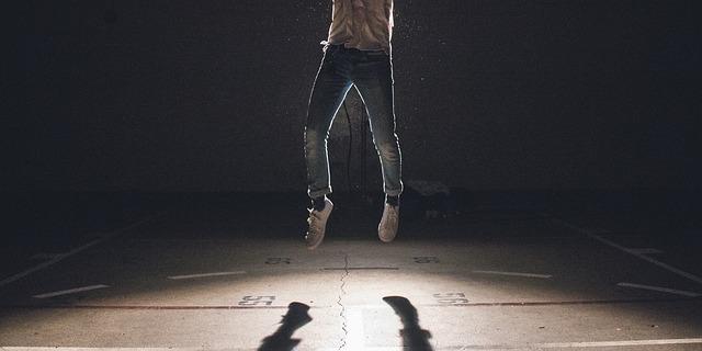 stín nohou.jpg