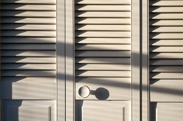 Dveře od vestavěné skříně